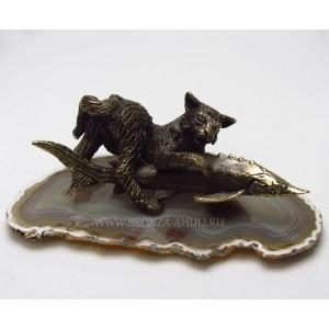 Котик со стерлядкой